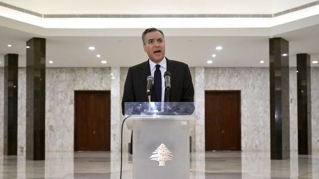 Adib renuncia como primer ministro de Líbano